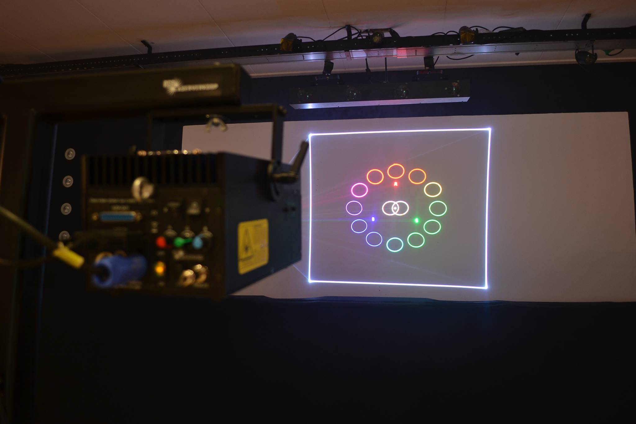 4000MW RGB Animation Laser Wall Projector / Professional Stage Laser Portable Projector pictures & photos