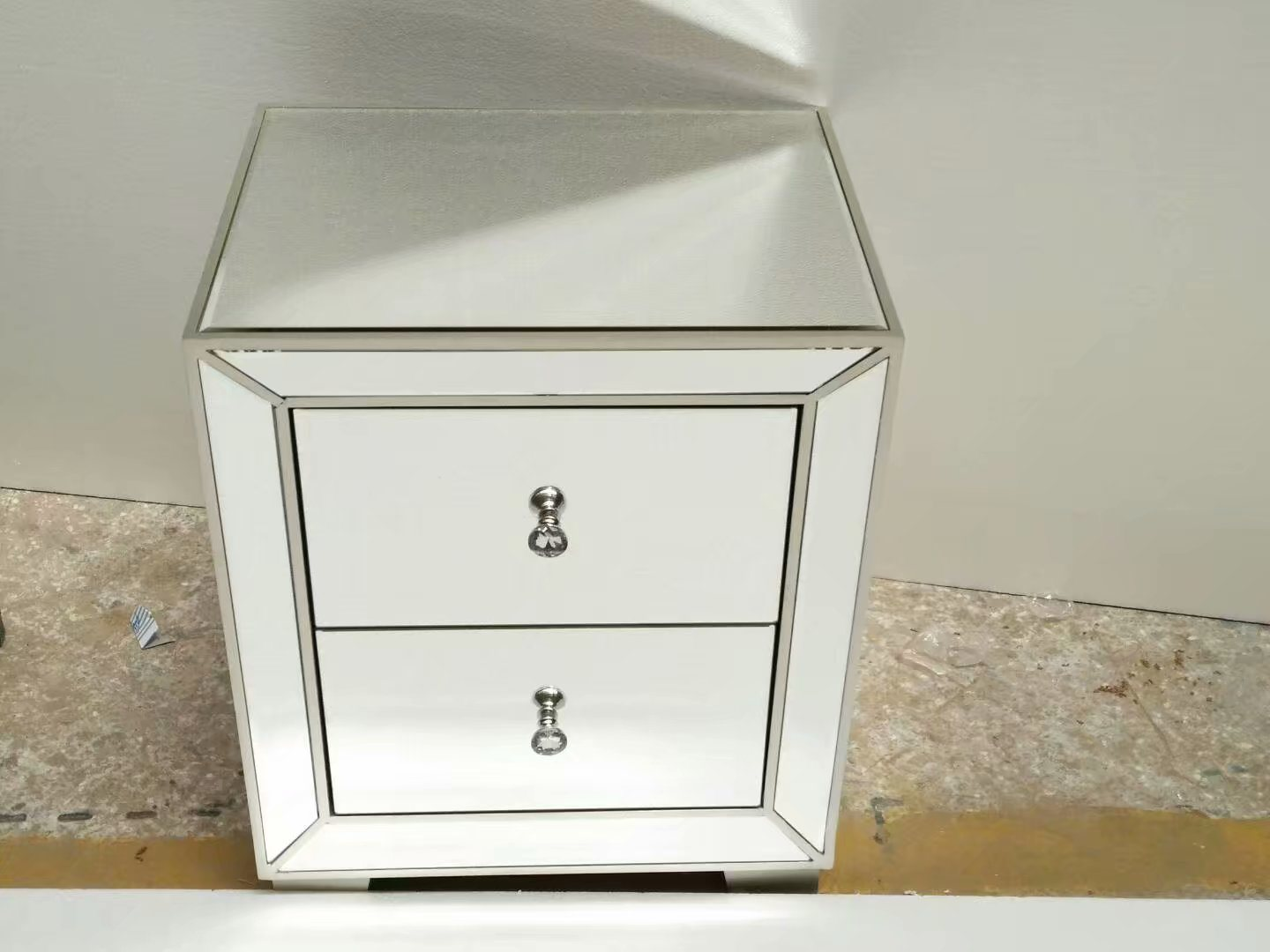 Hot Item High Quality Hotel Bedroom Furniture Mirror Nightstand With 2 Drawers Mirrored Furniture
