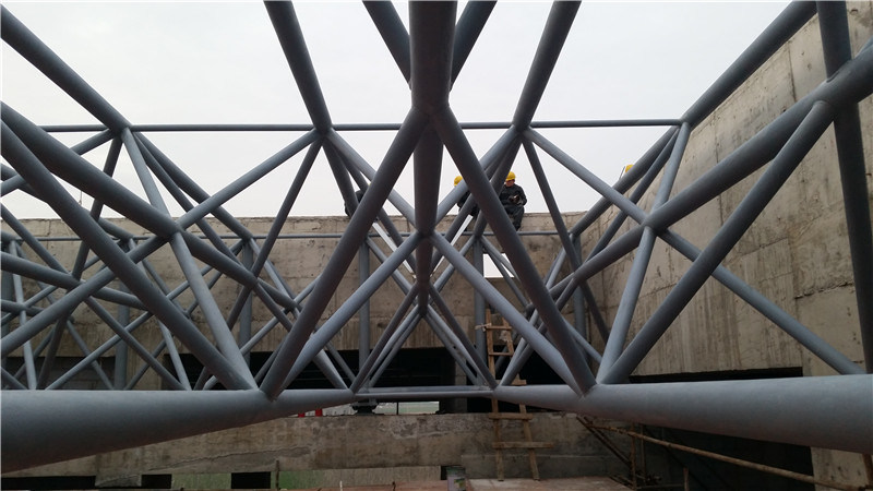 China Prefabricated Low Cost Multi Truss Steel Structures