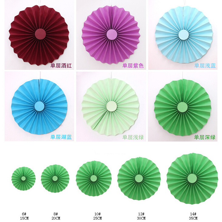Home Decorative Paper Handmade Craft / Hanging Paper Wheel Fan Rosettes pictures & photos