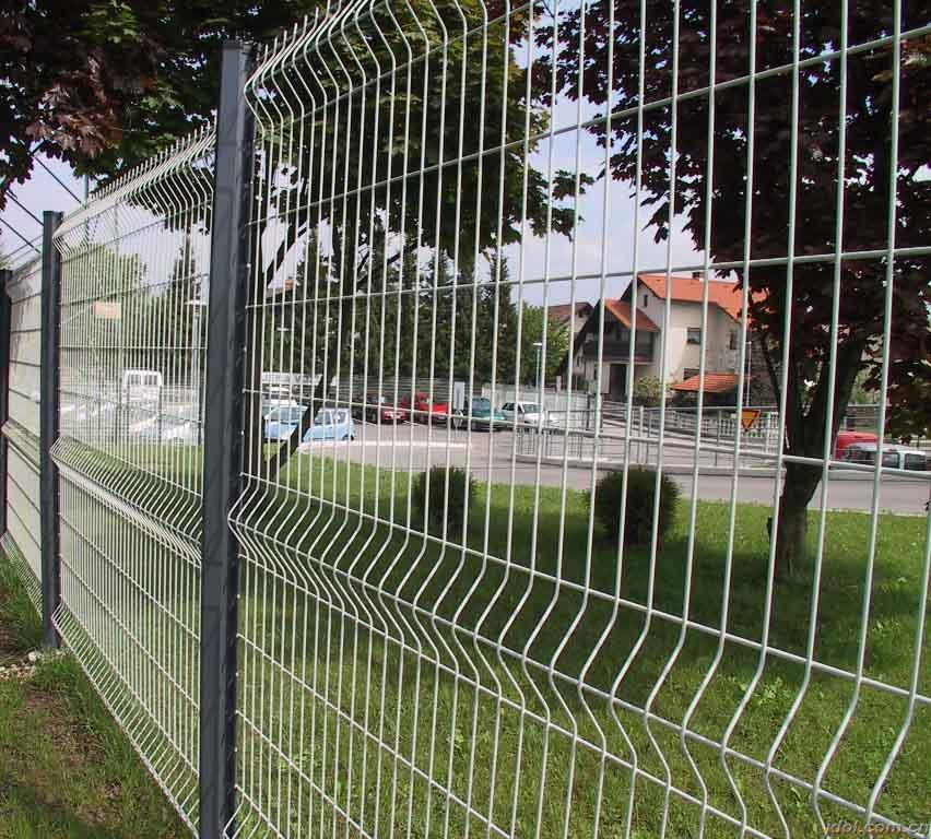 China PVC Coated Wire Mesh Panels for Project - China Garden Fencing ...