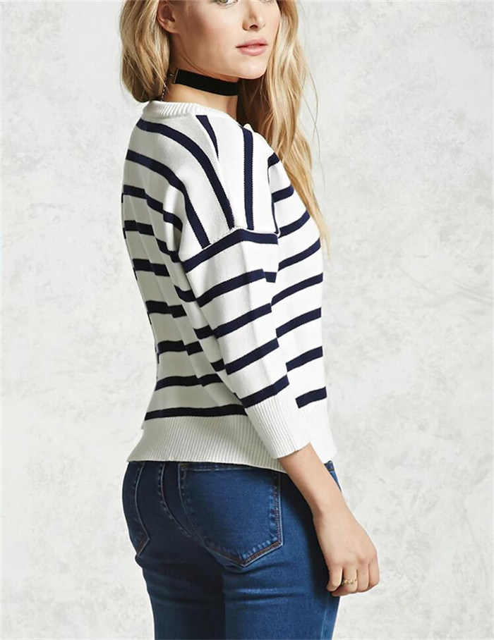Women′s Custom Factory Strip V Neck Acrylic Sweater Knitted Clothing
