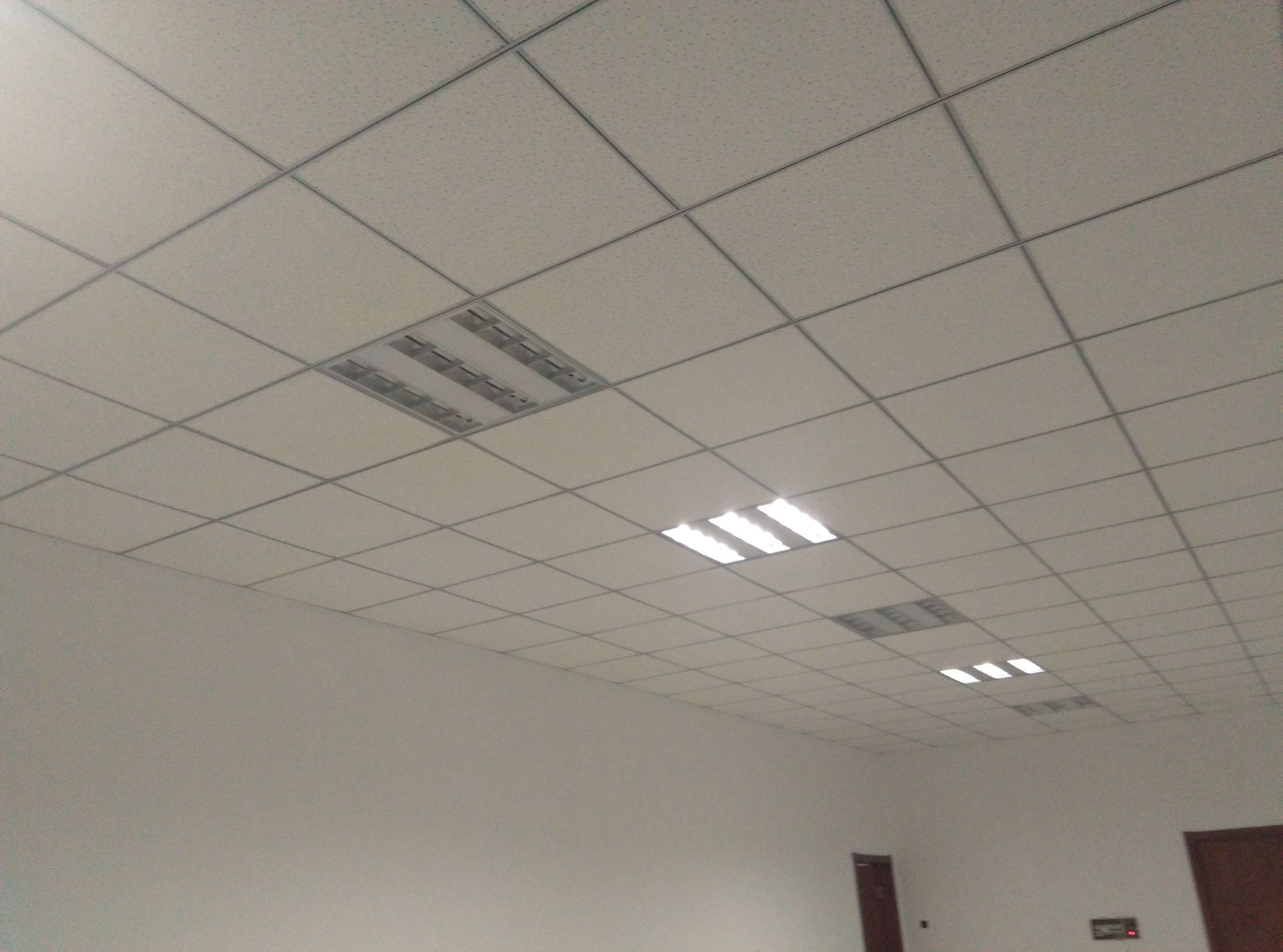 China Fut T Grid For Ceiling Suspended System Groove Bar Main And Cross Runner 32 24 0 4mm