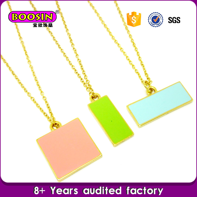 Fashion Gold Plated Custom Enamel Disc Charm Beautiful Necklace pictures & photos