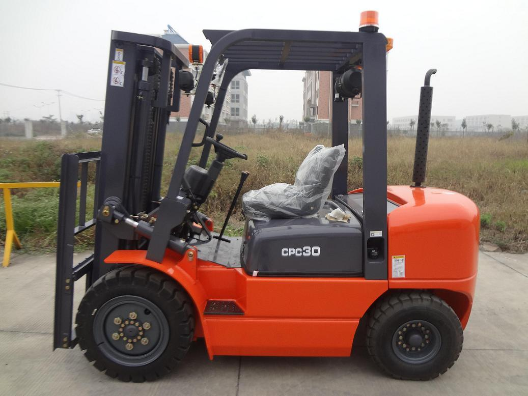 China 3ton Forklift\Diesel Forklift\Forklift Truck\Manual Transmission\3m  2stages Mast - China Forklift, Forklift Truck