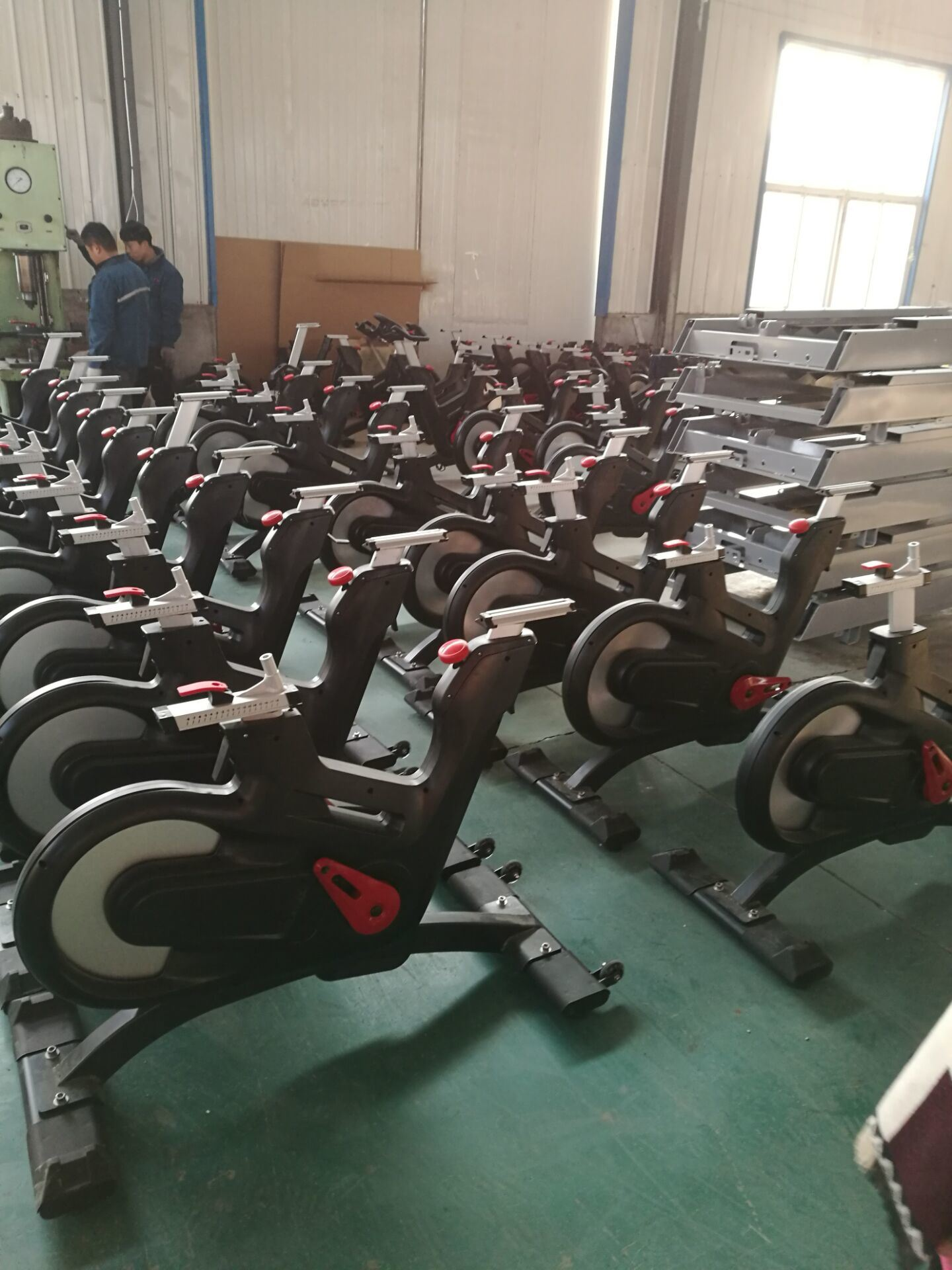 New Design Commercial Gym Equipment / Exercise Bike / Spinning Bike TZ-7022 pictures & photos