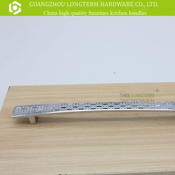 Corrosion Resistance T Shape Bar Wine Cabinet Handle pictures & photos