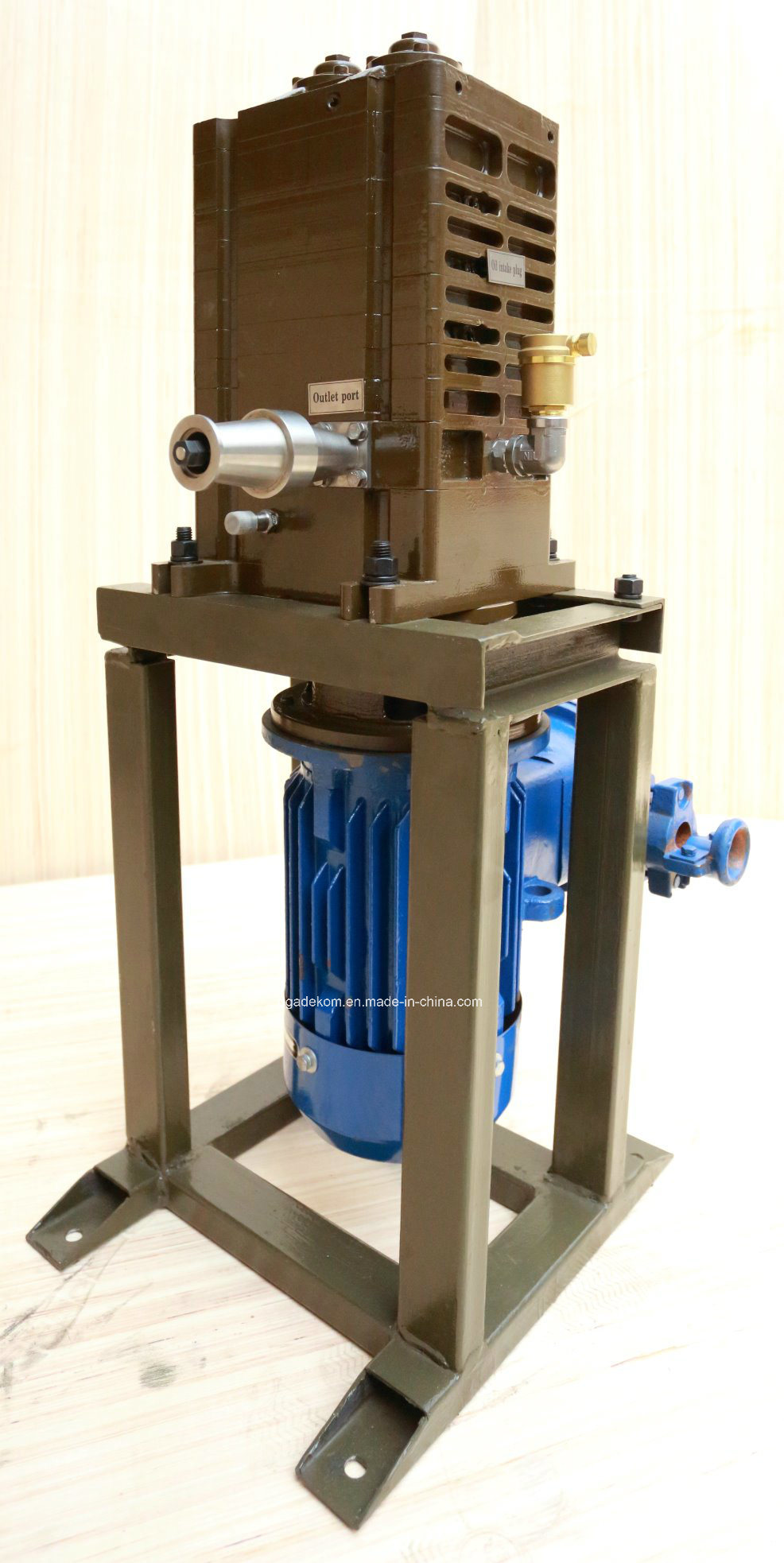 Claw Horizontal Dry Industrial Water Cooling Vacuum Pump (DCHS-15U1/U2) pictures & photos