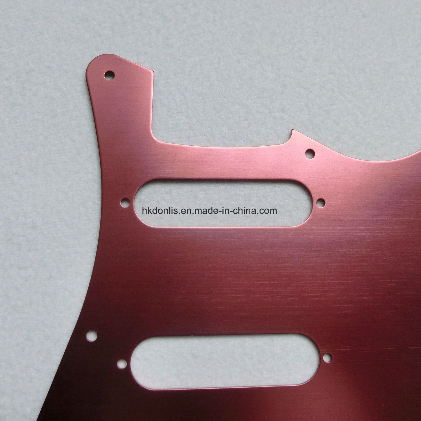 China Guitar Parts Aluminum Sss Electric Pickguard For St