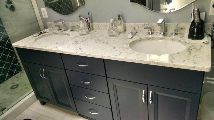 China White Quartz Bathroom Countertop