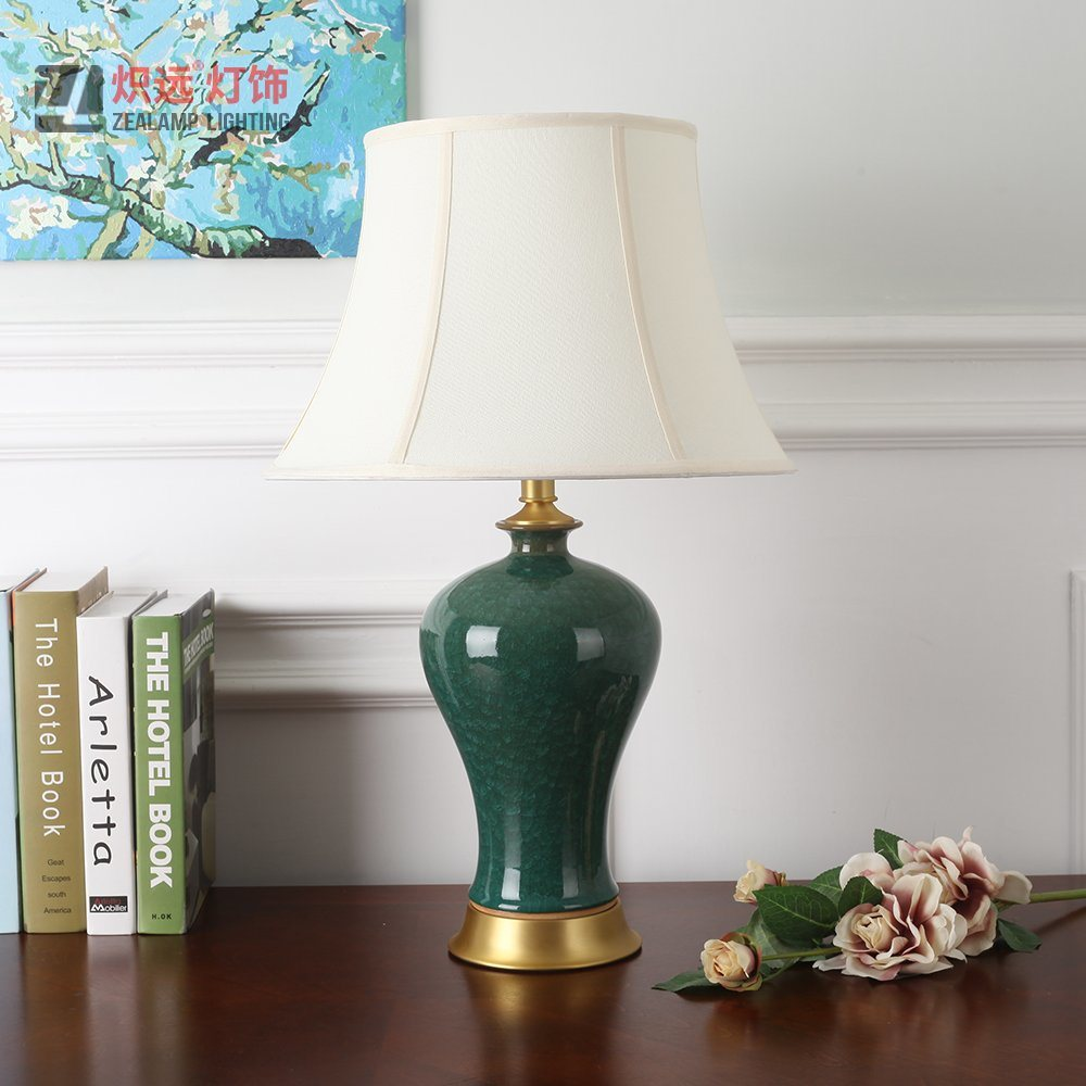 China Simple Design Curvy Ceramic Table Lamp for Bedroom ...