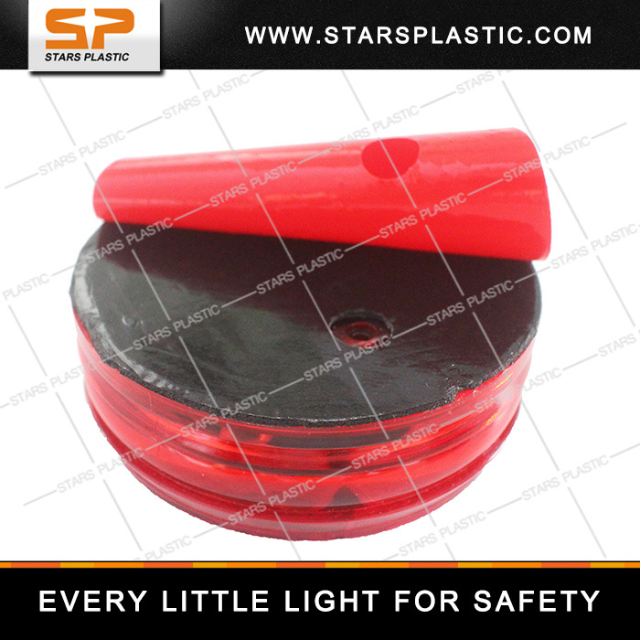 Solar Traffic Flash Light with Bright LED pictures & photos