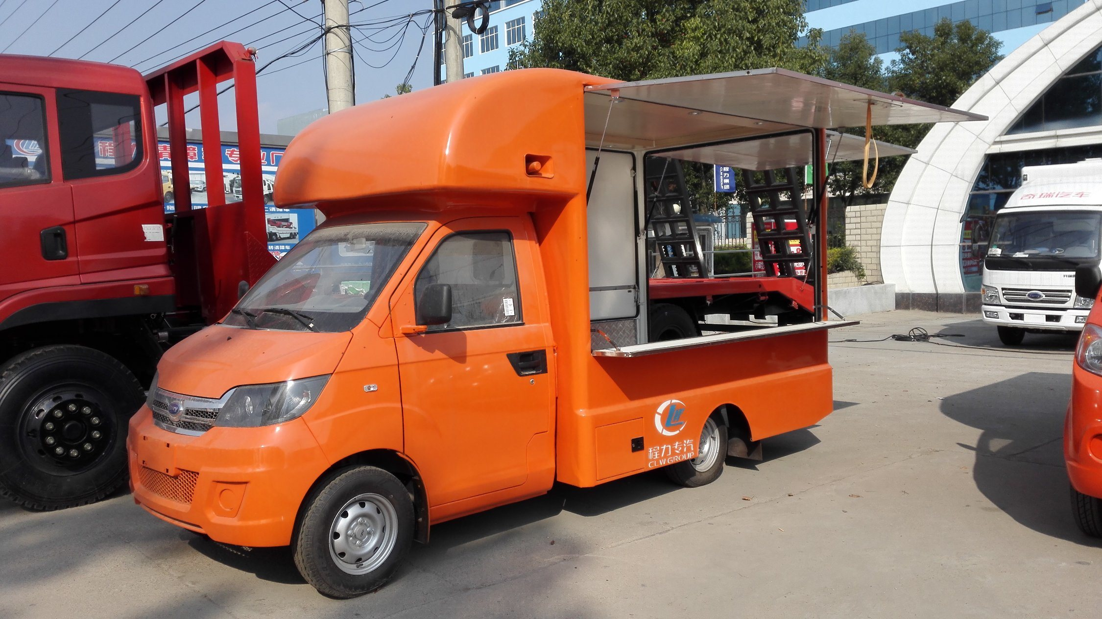 China Outdoor Customized Fast Convenient Ice Cream Coffer Mobile Street Cold  Drinks Easy Operation BBQ Hotdog Shop Mobile Trailer Food Truck - China  Food Carting Truck, Fabricant Food Truck