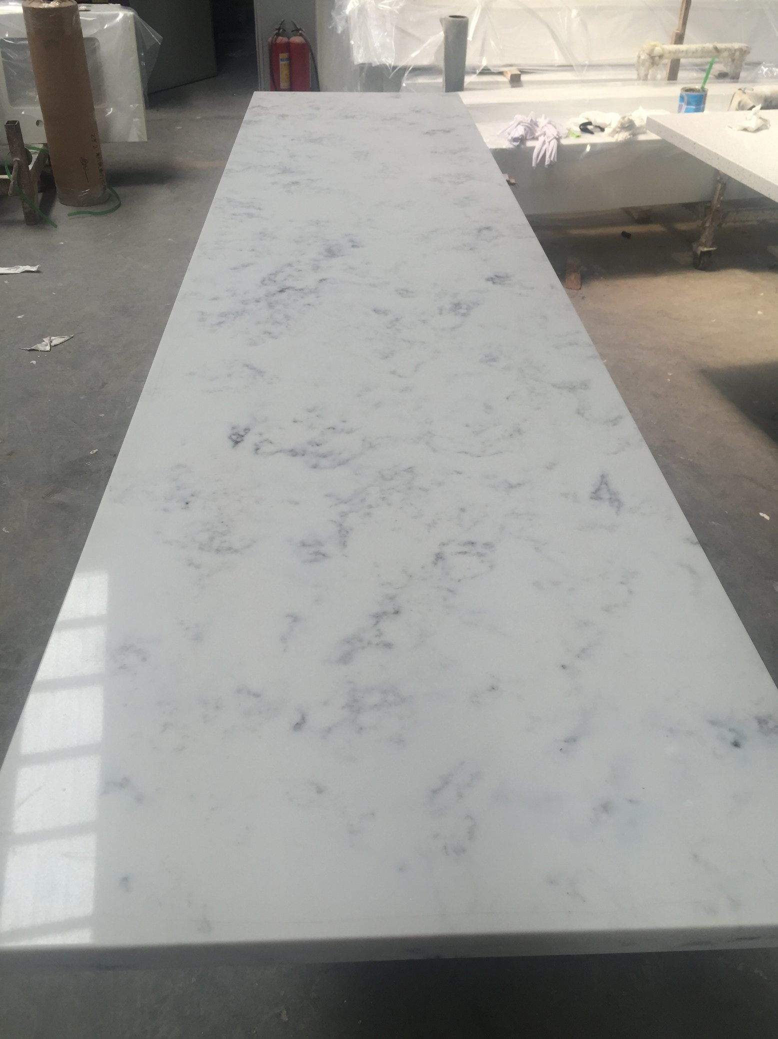China Carrara White Quartz V117 Countertop Kitchen Worktops Bar Top China Countertop Vanity Top