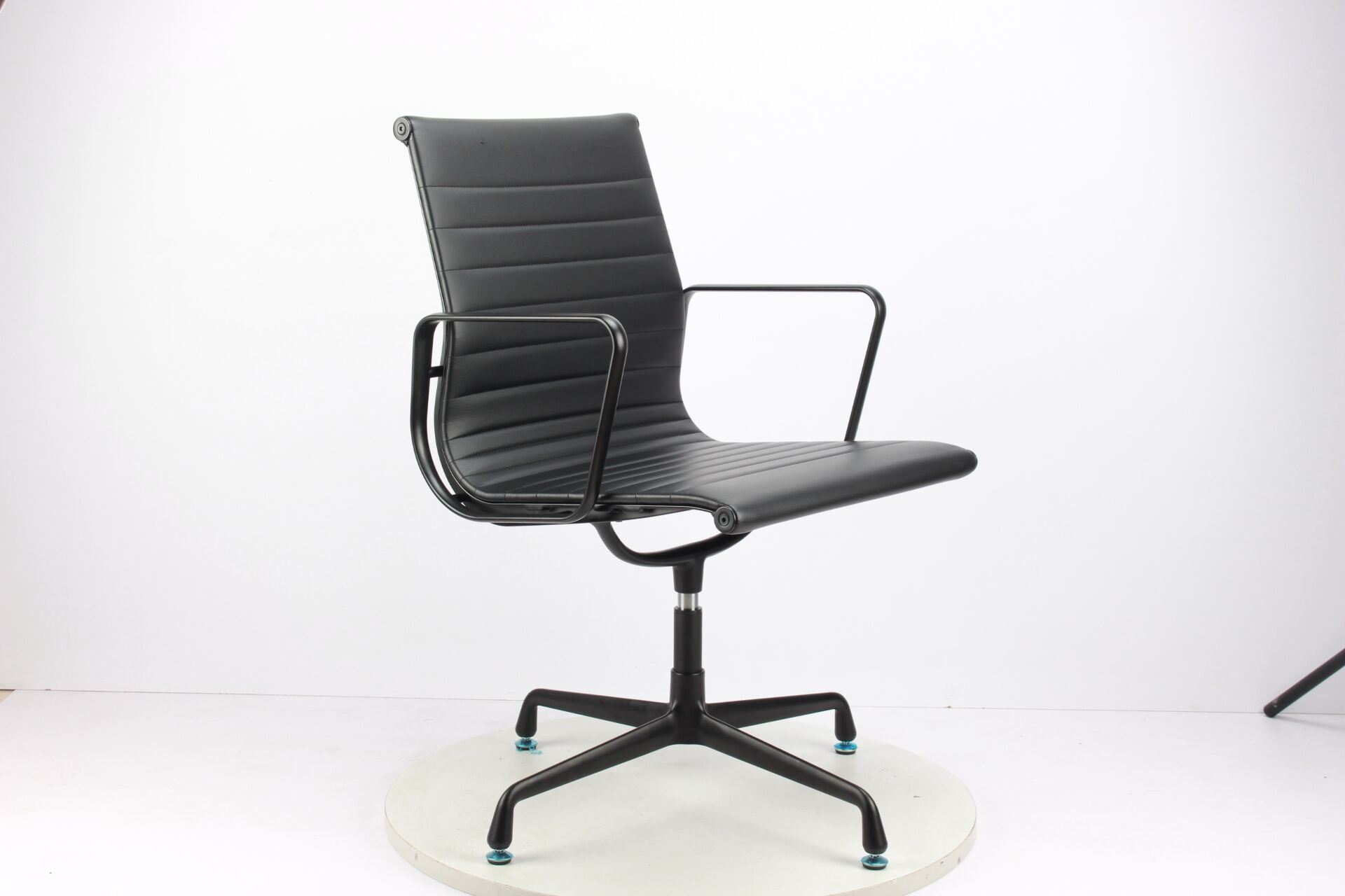 Leather Amrest Eames Style Office Chair