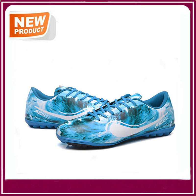 Hot Sale High Quality Football Shoes pictures & photos