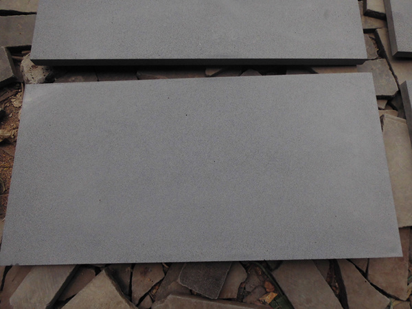 Good Quality Basalt Chinese Grey Andesite for Outdoor Paving pictures & photos