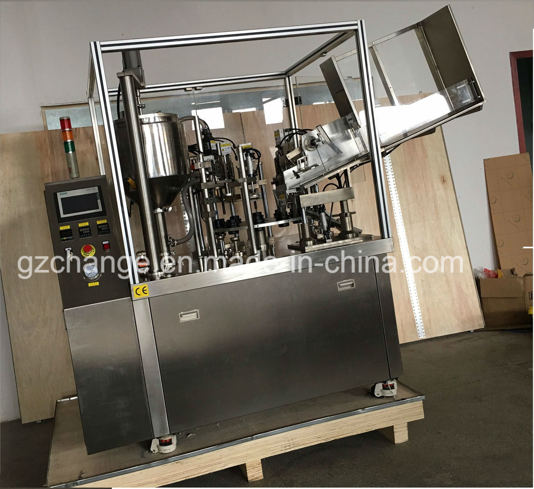 Auto Filling & Sealing Machine for Tubes pictures & photos