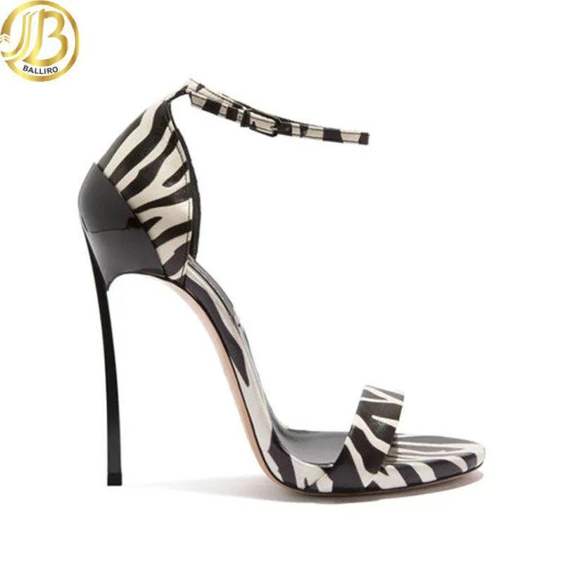China Ladies High Heel Stylish Shoes