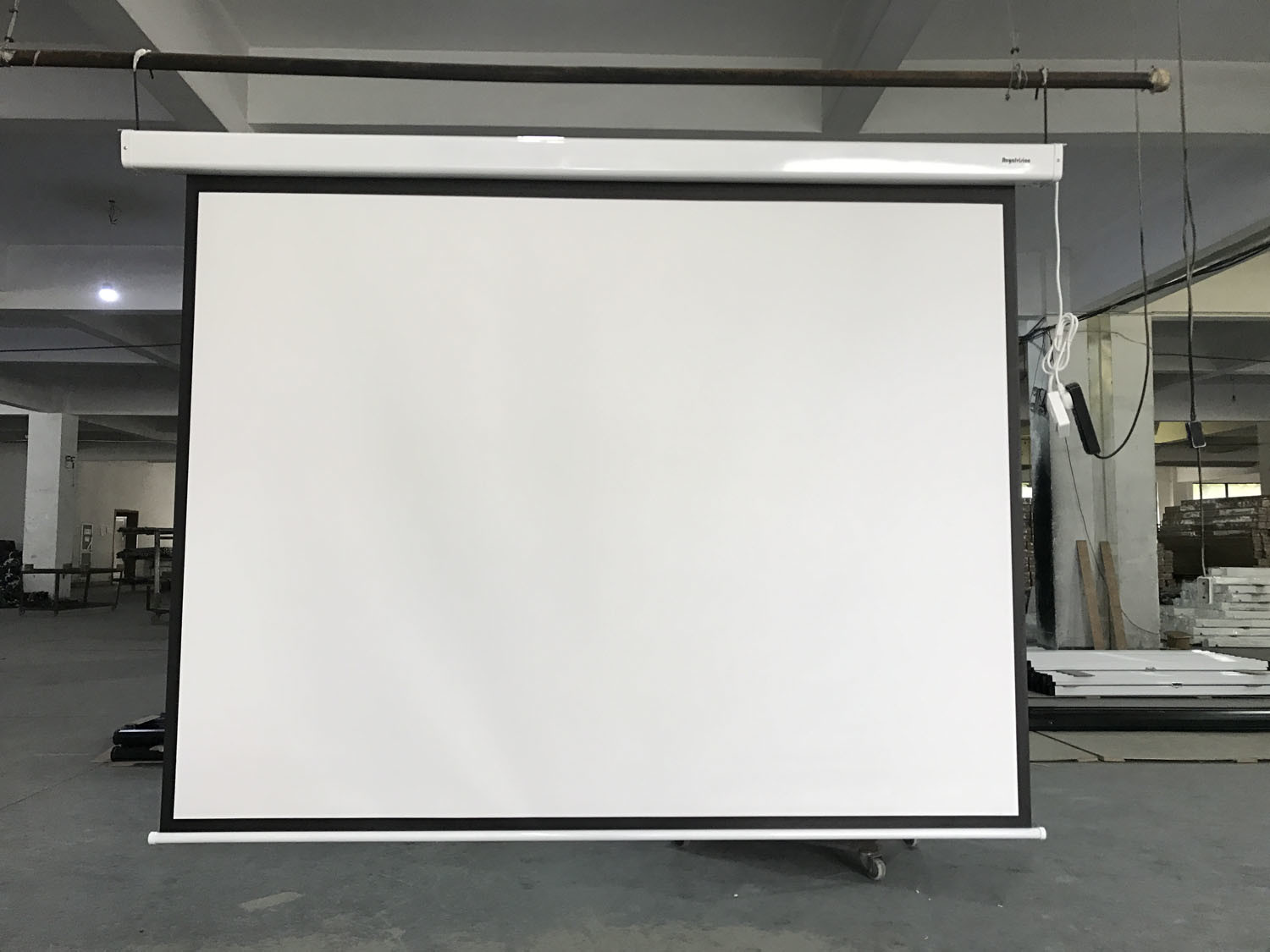 China Tab Tension Electrical Projector Screen China Projection Screen Overhead Projector