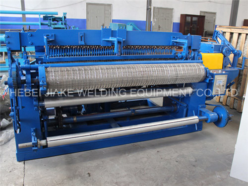 Galvanized Steel Wire Mesh Welding Machine pictures & photos