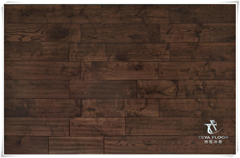 China Oak Solid Wood Flooring Dark Coffee Hardwood Handscraped