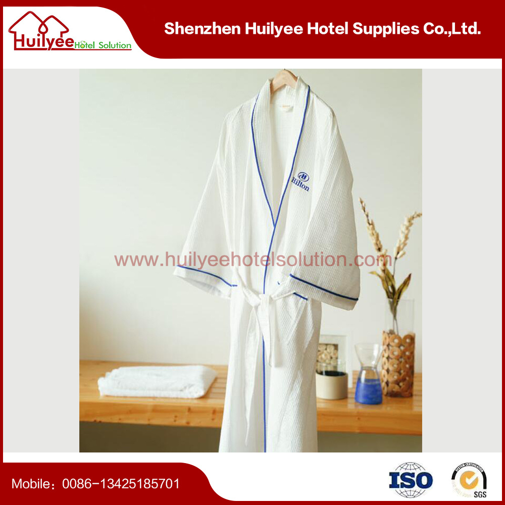 Hotel Waffle Bathrobe with Embroidery Logo pictures & photos