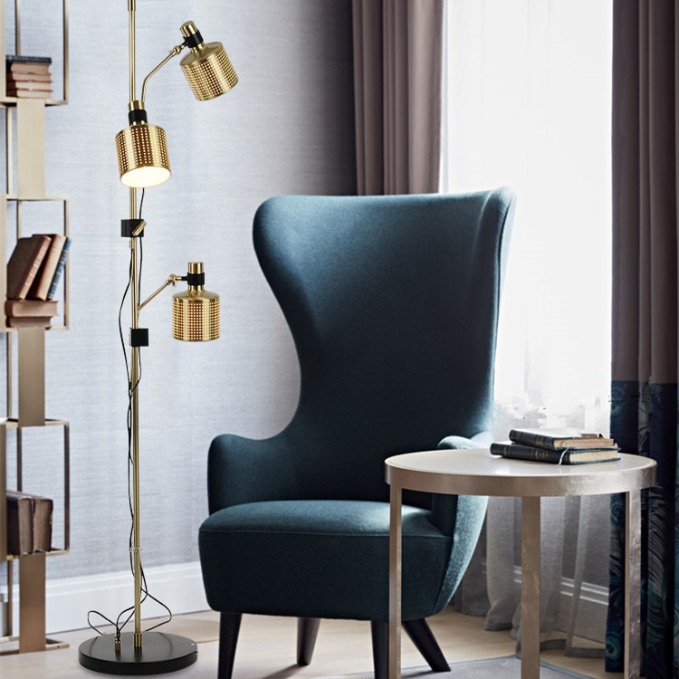 China 3 Lights Luxury Modern Hotel Standing Floor Lamp Light In