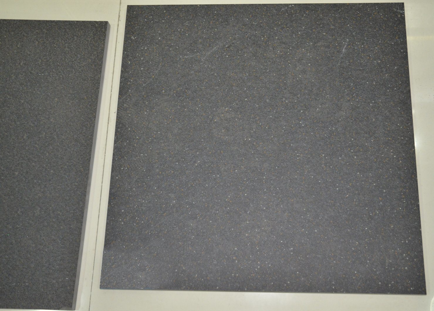 China Floor Tile Porcelain 600X600/Dark Black Stone Tile/Car Parking ...