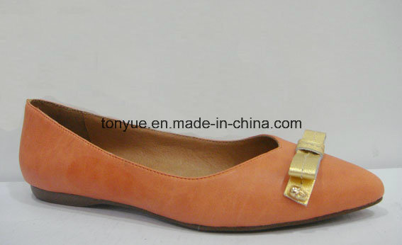 Lady Leather Pointed Casual with Comfortable Flat Shoe pictures & photos