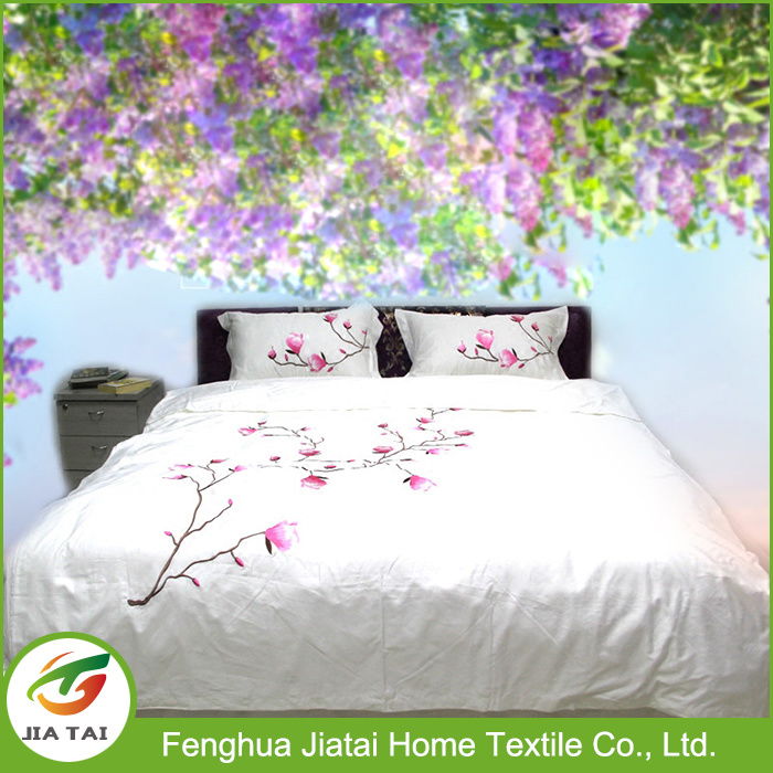 China Custom Design Hand Embroidery Latest Bed Sheet Designs