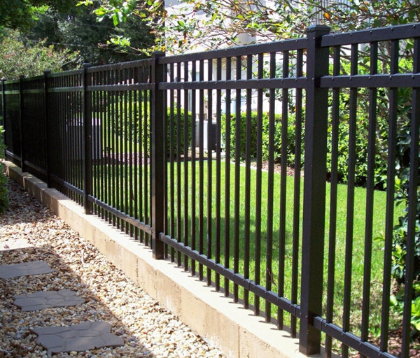 China Design Steel Grills Fence Gate Grill Fence Steel Fence