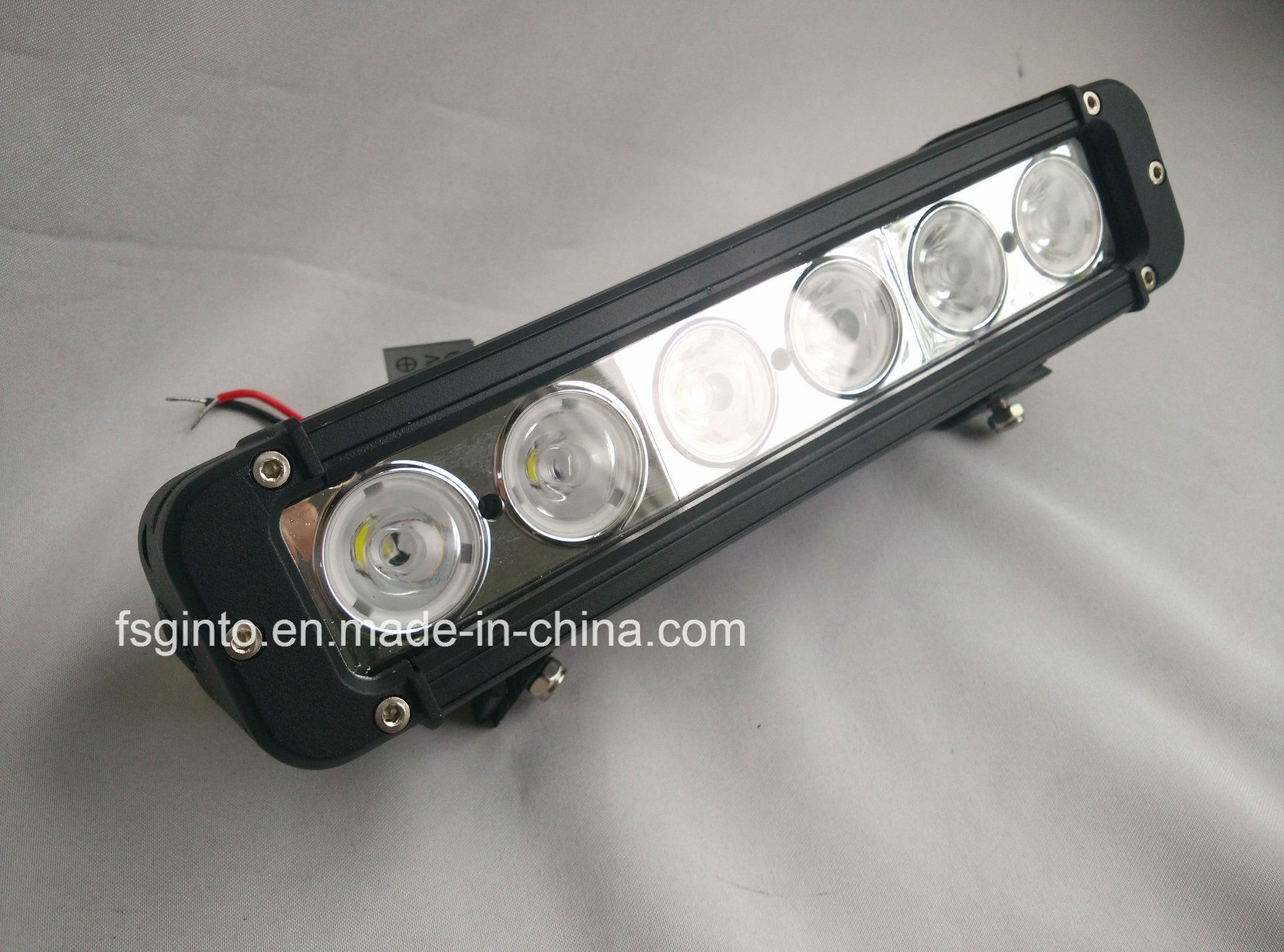 60W 11inch Single Row CREE LED Light Bar for 4X4 off-Road Vehicles (GT3301-60W) pictures & photos
