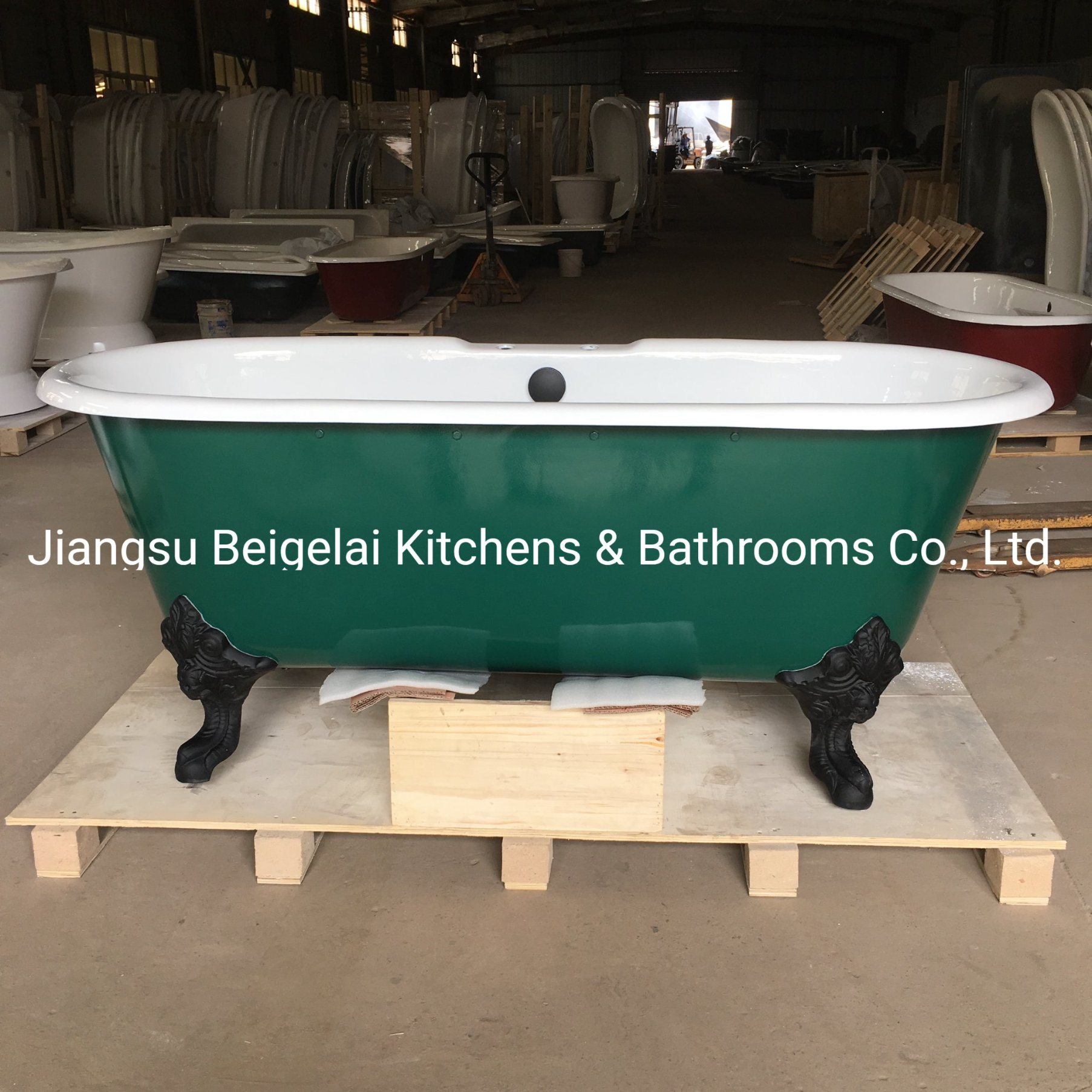 China Old Style Freestanding Cast Iron Bathtub With Clawfoot In