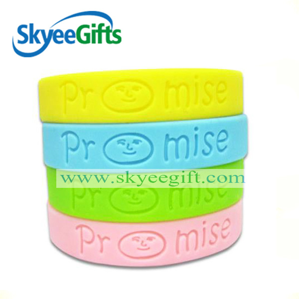 Hot Item Never Give Up Silicone Wristbands Glow In The Dark Rubber Bracelets