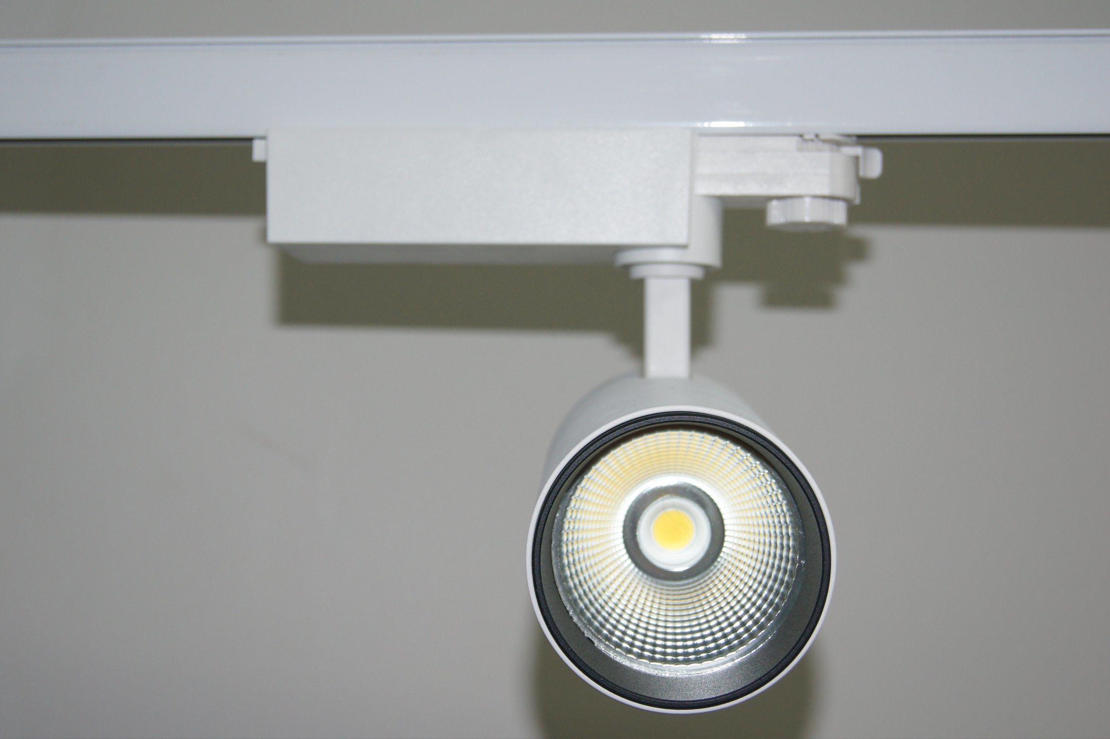 China High Quality Led Track Lighting Fixture Cob Spotlight