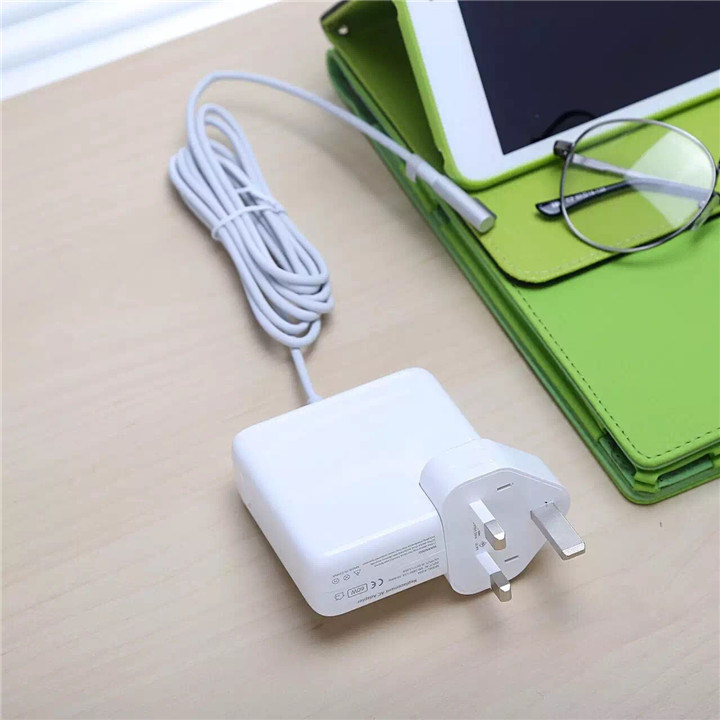 45W/60W/85W Power Adapter for Apple MacBook pictures & photos