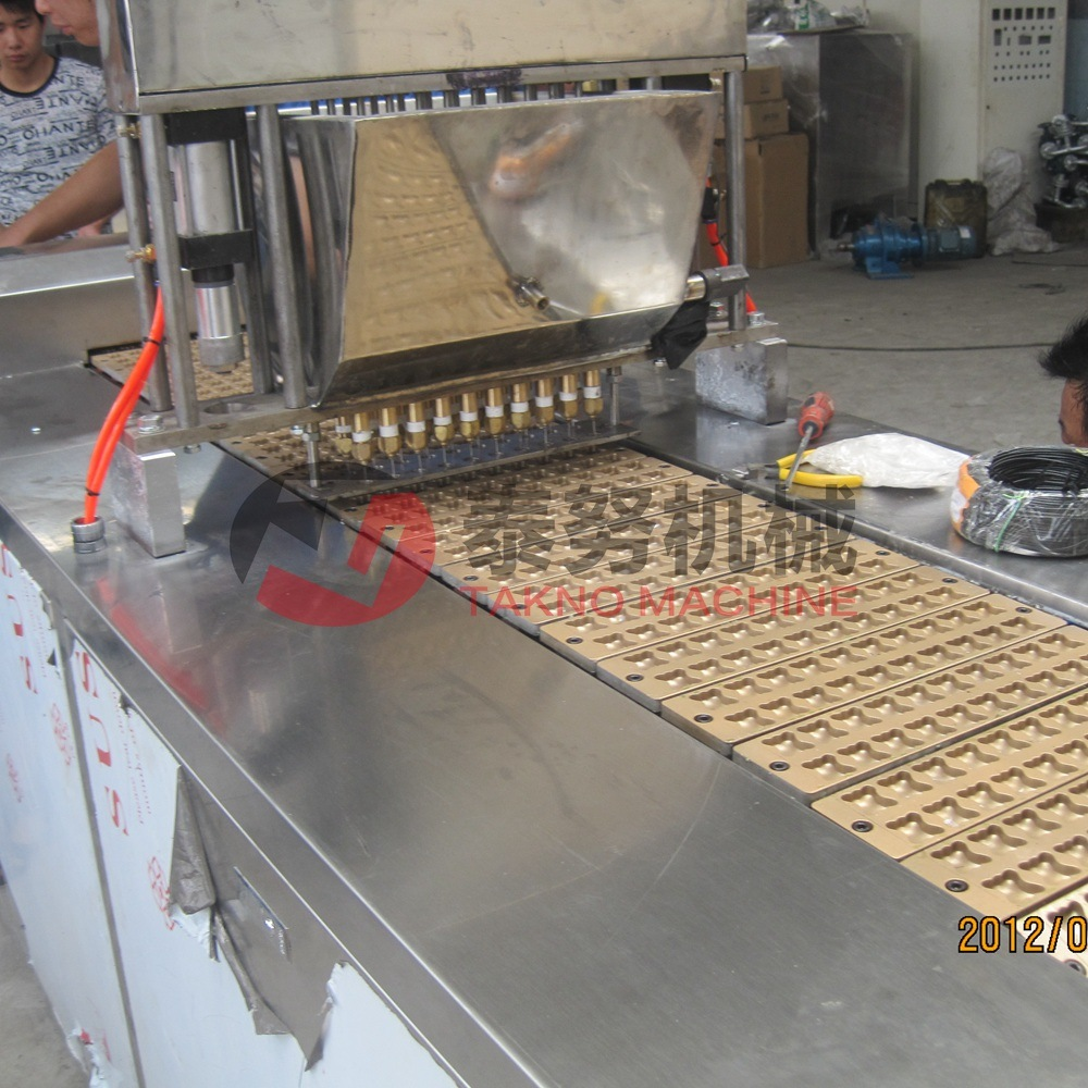 Stainless Steel Chocolate Filled Panda Type Cookies Machine pictures & photos