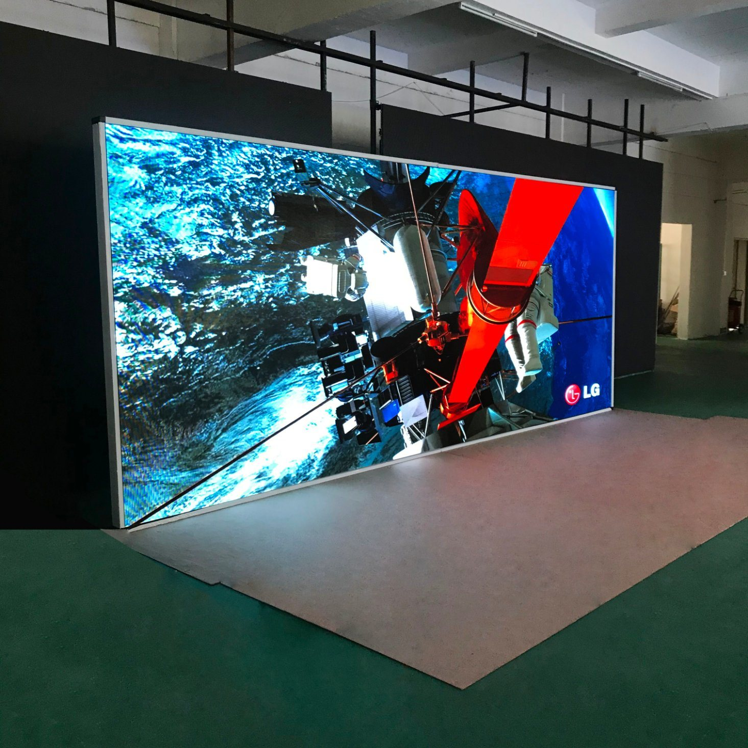 [Hot Item] All Specifications Big Full Color LED Display Indoor Outdoor LED  Display Screen