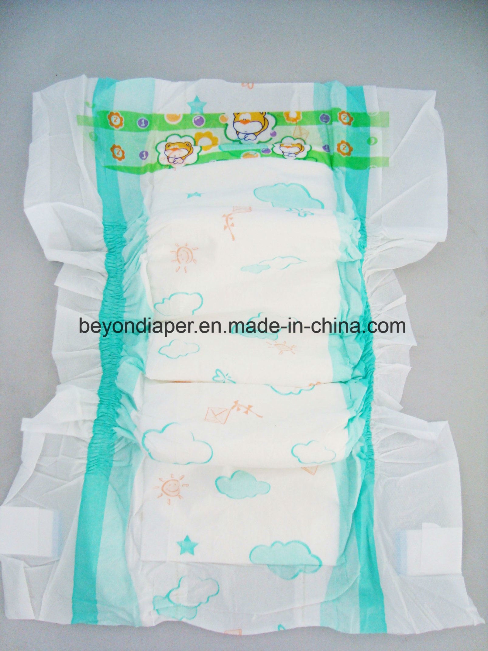 Tell me what size diapers are optimal for a newborn baby And what material to choose if the child