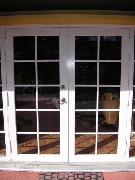 China Top Quality Double Glass Soundproof French Style Casement Door
