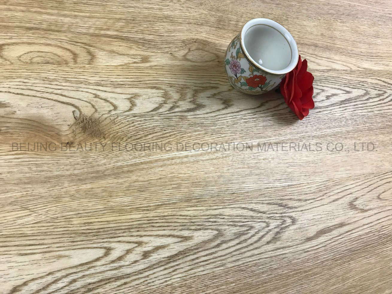 China Waterproof Scratch Proof Fireproof PVC Vinyl Flooring for Ce