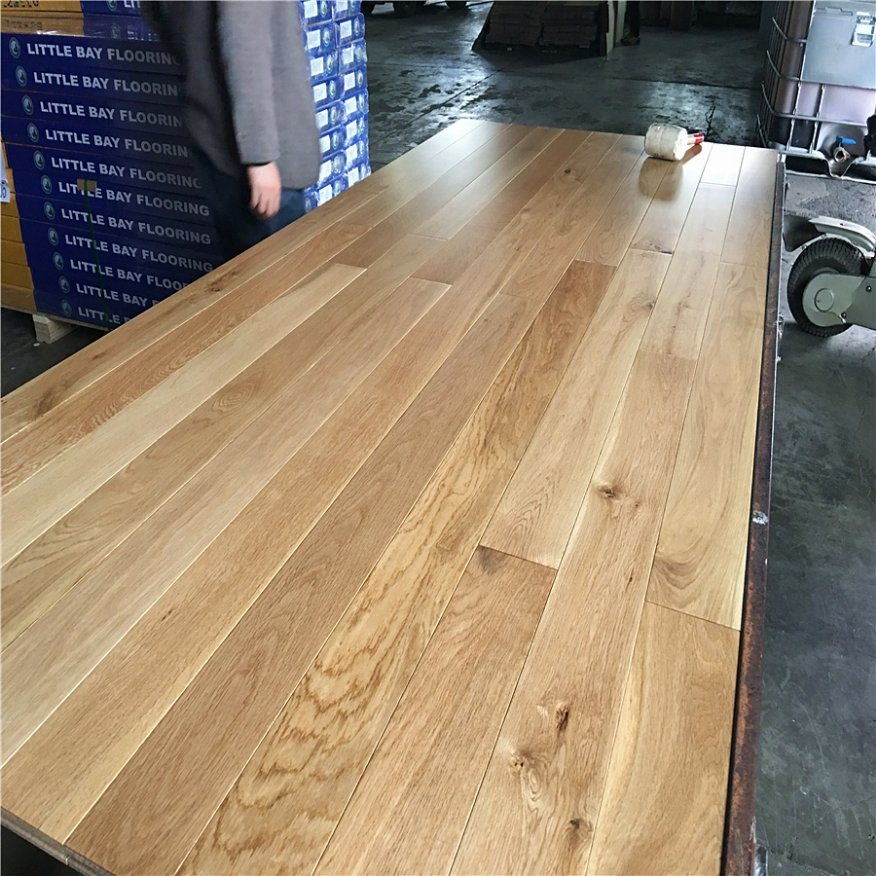 China Oak Solid Wood Flooring Parquet