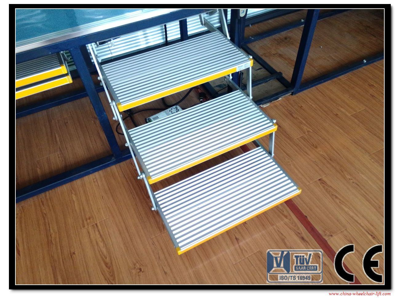 3-Step Ladder 3-Steps Folding Ladder and Folding Steps pictures & photos