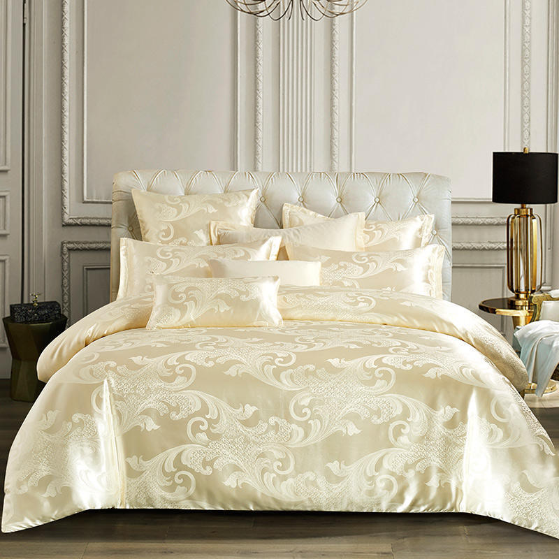 China Classic Design Luxury Comforter Sets Queen Jacquard Paisley
