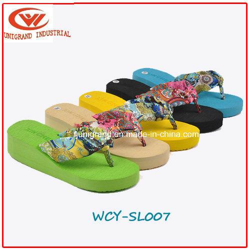4052c0433 China Fashion Flower Women Flip Flops Platform Wedges Sandals Slippers -  China Slipper