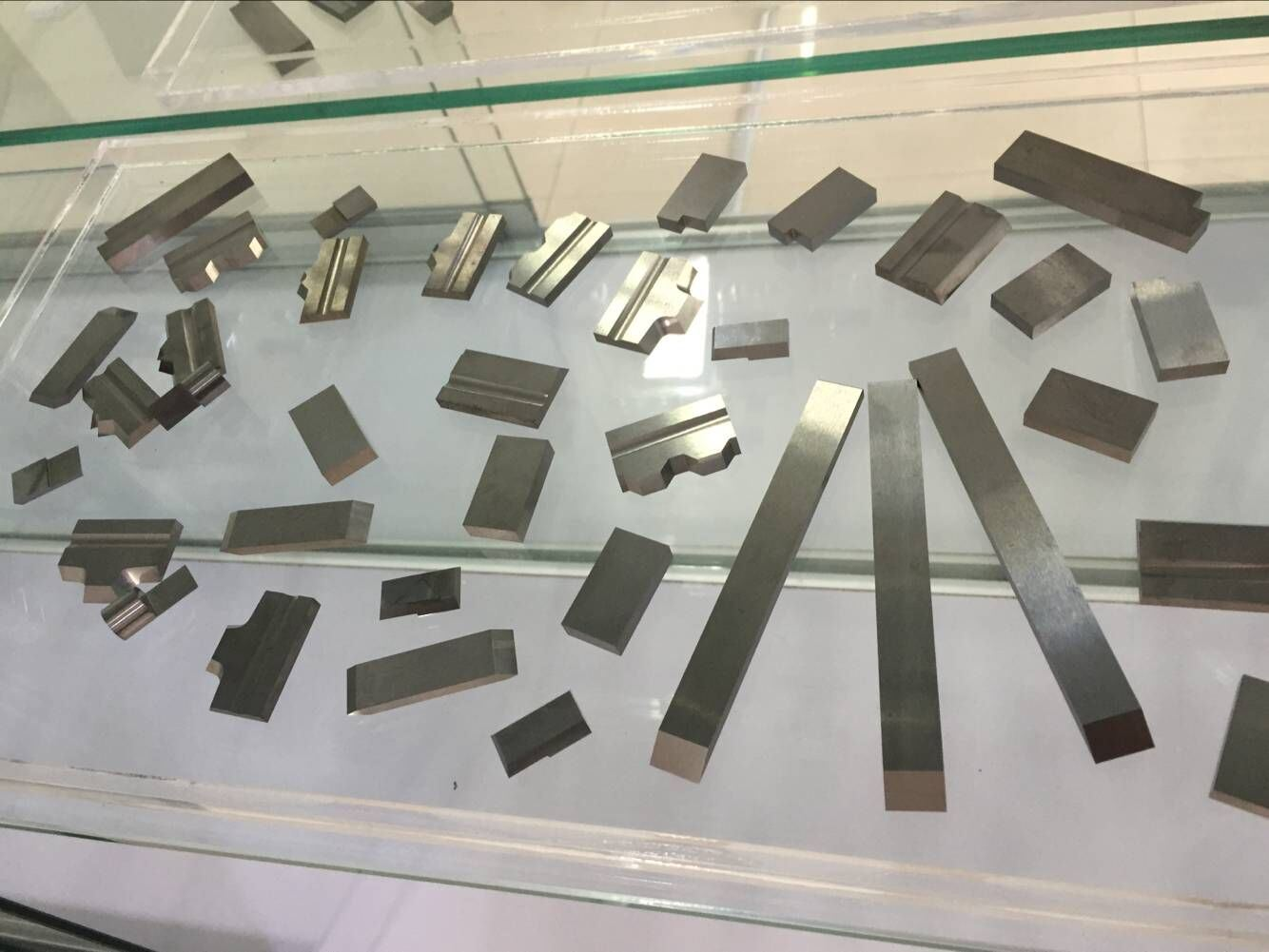 Tungsten Carbide Welding Blades for Cutting Tools with Different Size pictures & photos