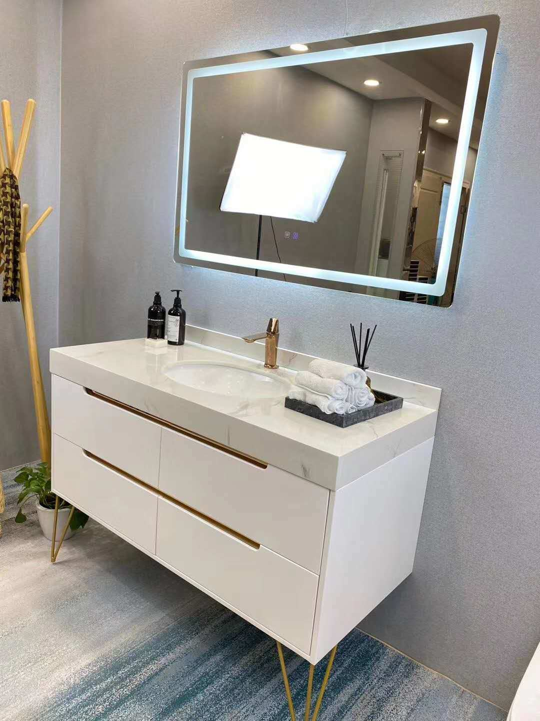 China Led Mirrored Solid Wood Vanities Oak Modern Bathroom Floor Cabinet China Solid Wood Bathroom Vanity Modern Bathroom Floor Cabinet