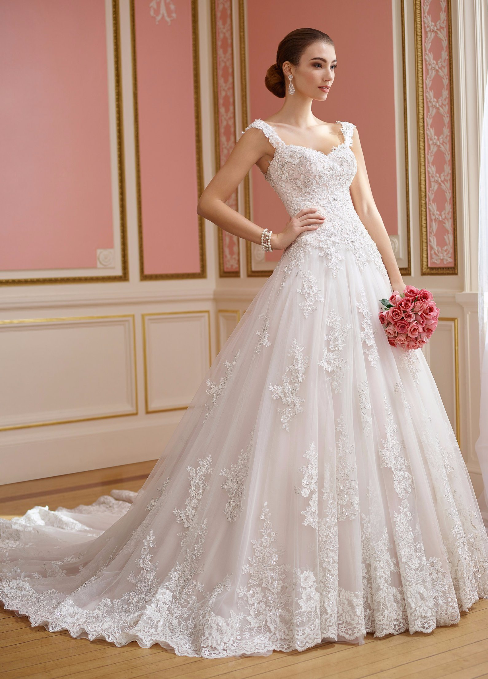China A-Line Lace Bridal Ball Gowns Beaded Sweetheart Wedding Dress ...