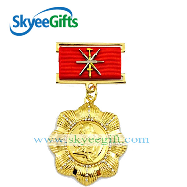Army Traditional Gold and Metal Medal Badge for Troop